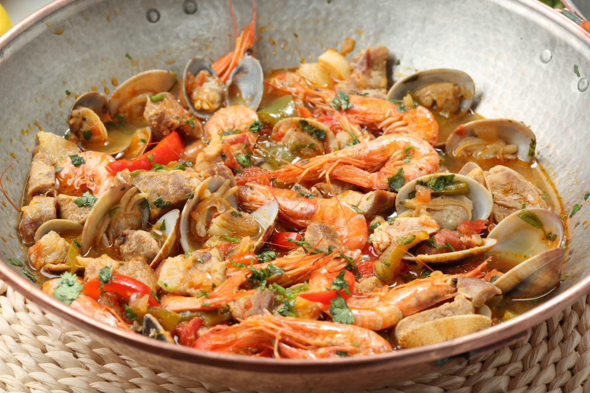 Gastronomy in Portugal (Best Dishes & Foods + Portuguese Cuisine Tips)